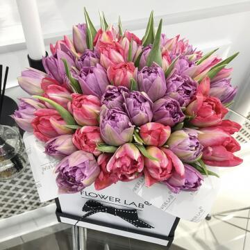 Букет тюльпанов «Комплимент королеве», микс